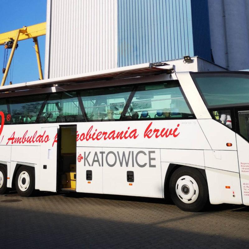 Stoelzle Częstochowa organizowała akcję oddawania krwi na ternie firmy. W wydarzeniu udział wzięło kilkunastu pracowników firmy