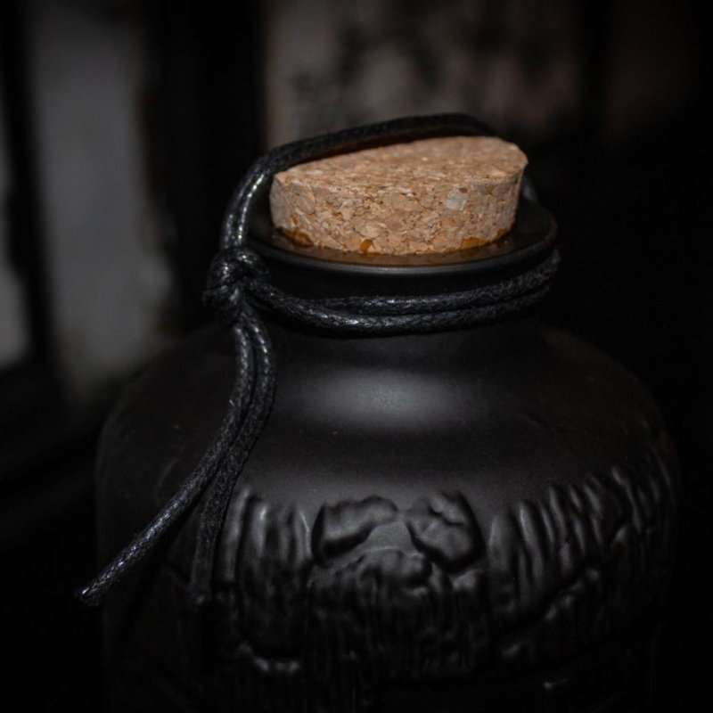 Detail picture of Caps and Closures Spirits bottle Carbon Sake