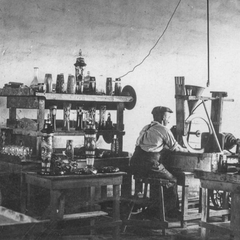 Historic picture of employees grinding glassware